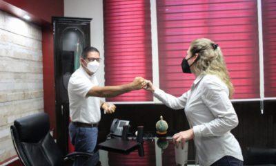 Alcalde se inyecta contra el Covid y realiza fiesta. Foto: Twitter