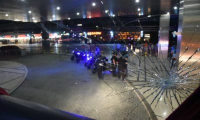 Apedrean el camión de Santos. Foto: Twitter