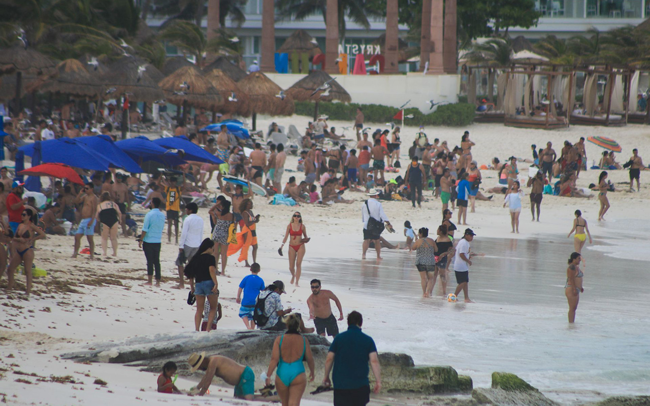 Cancún regresa a color naranja por contagios de Covid