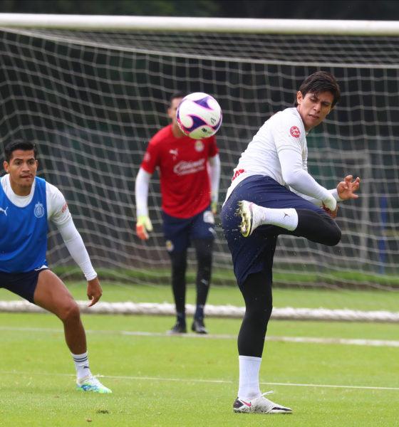 Descartado Macías para jugar con Chivas ante Toluca. Foto: Twitter Chivas