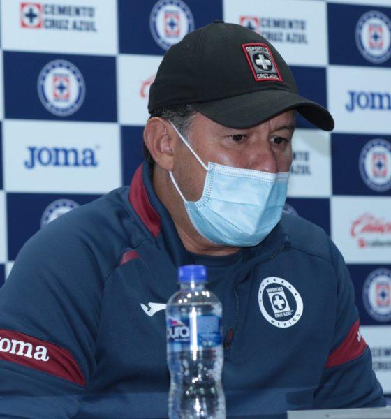 Juan Reynoso confirmó sanción de Cabecita. Foto: Twitter Cruz Azul