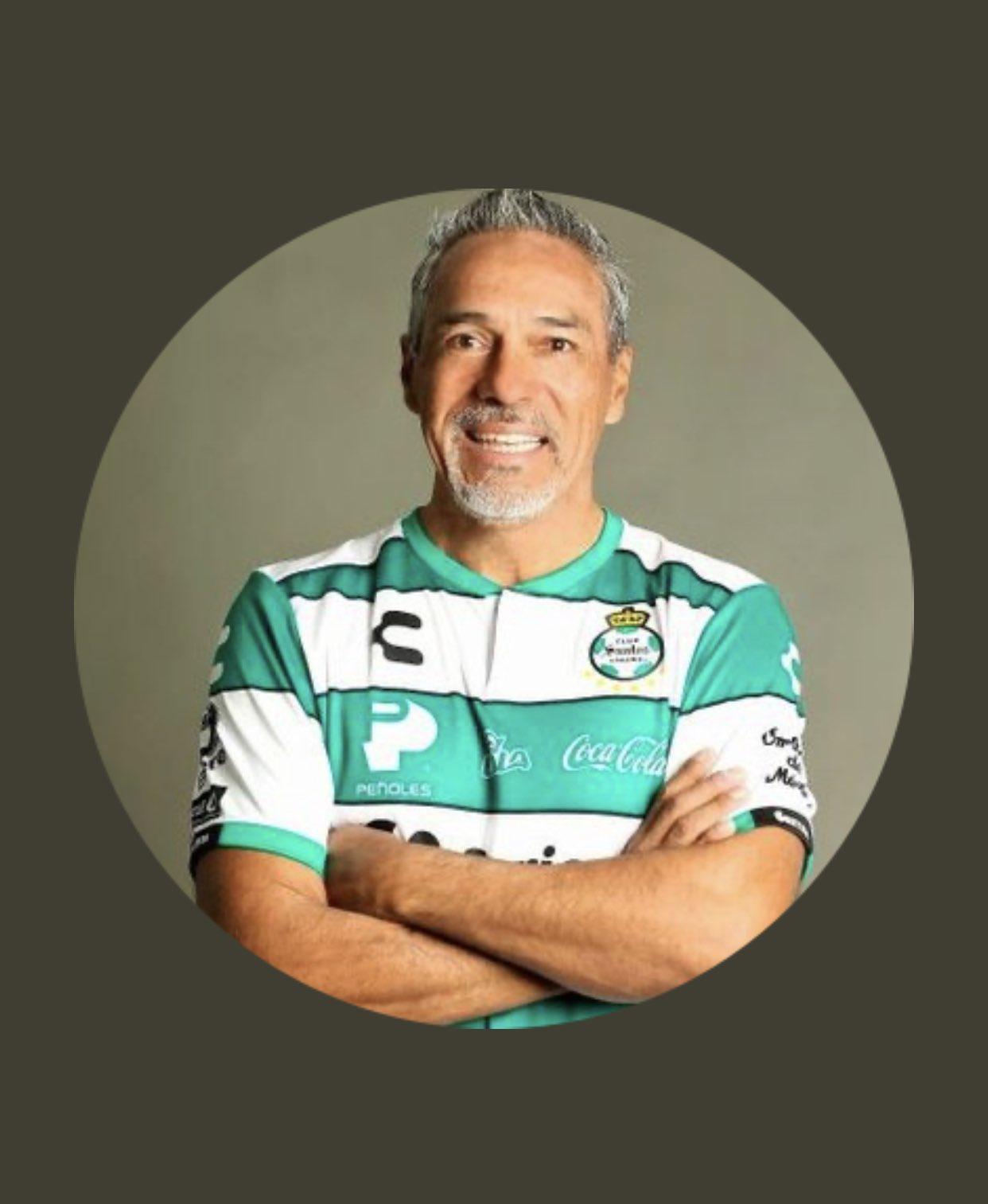 Muere técnico de Santos femenil Martín Pérez. Foto: Twitter