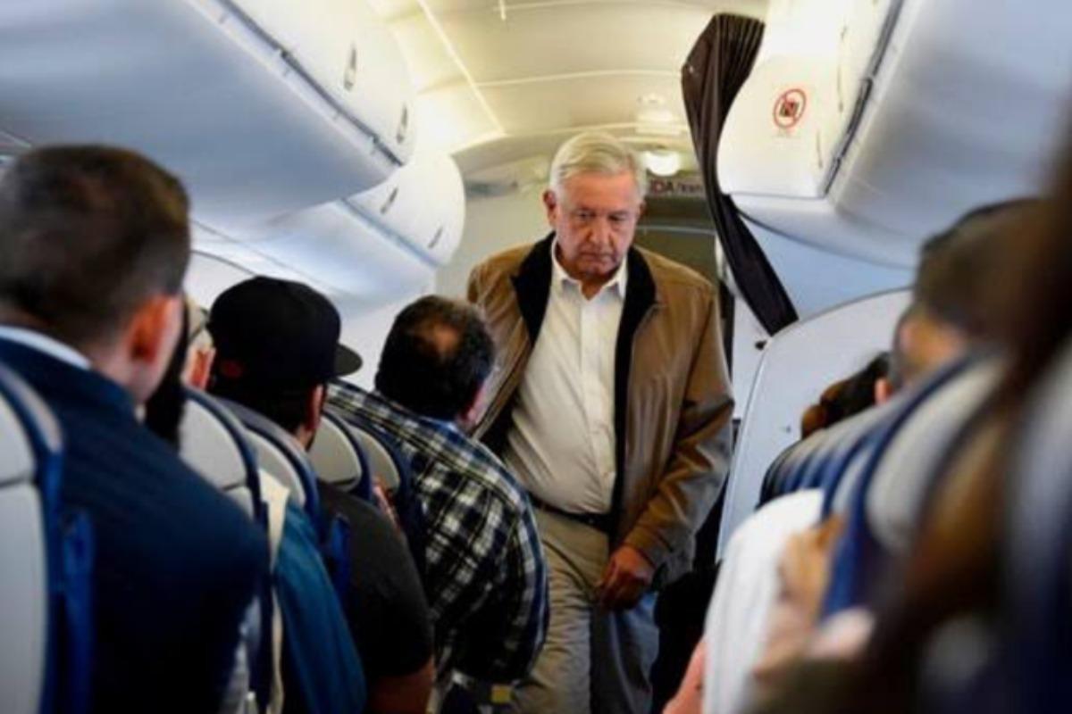 Entrega Aeroméxico lista de pasajeros que viajaron con AMLO