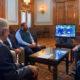 """AMLO critica """"prepotencia"""" de Zuckerberg por veto a Trump en Facebook"""