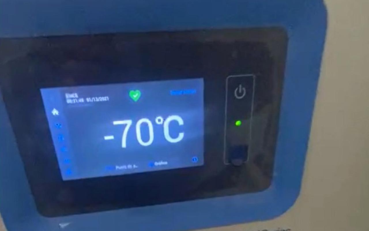 UNAM pone a disposición ultracongeladores para conservación de vacunas