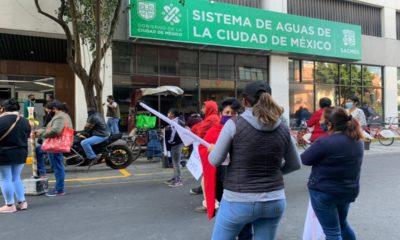 Protesta Antorcha Campesina en oficinas de Sacmex