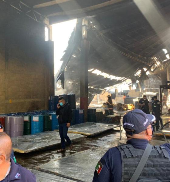 Familias por incendio en fábrica de colchones