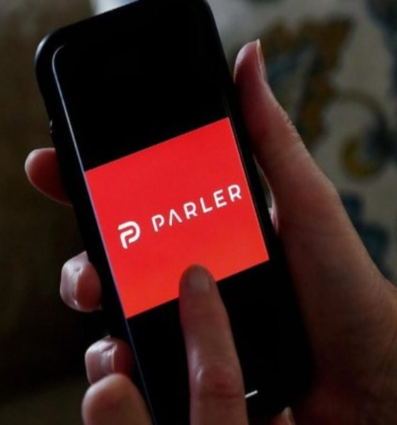 Bajan aplicación de Parler de Amazon, Apple y Google