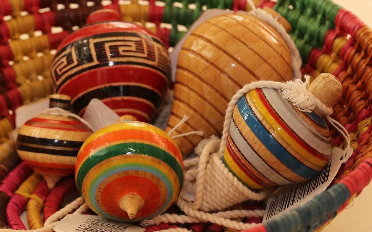 Invitan a Reyes Magos regalar juguetes tradicionales