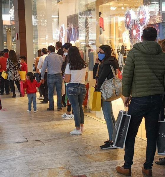 En semáforo rojo, reabren centros comerciales en Edomex