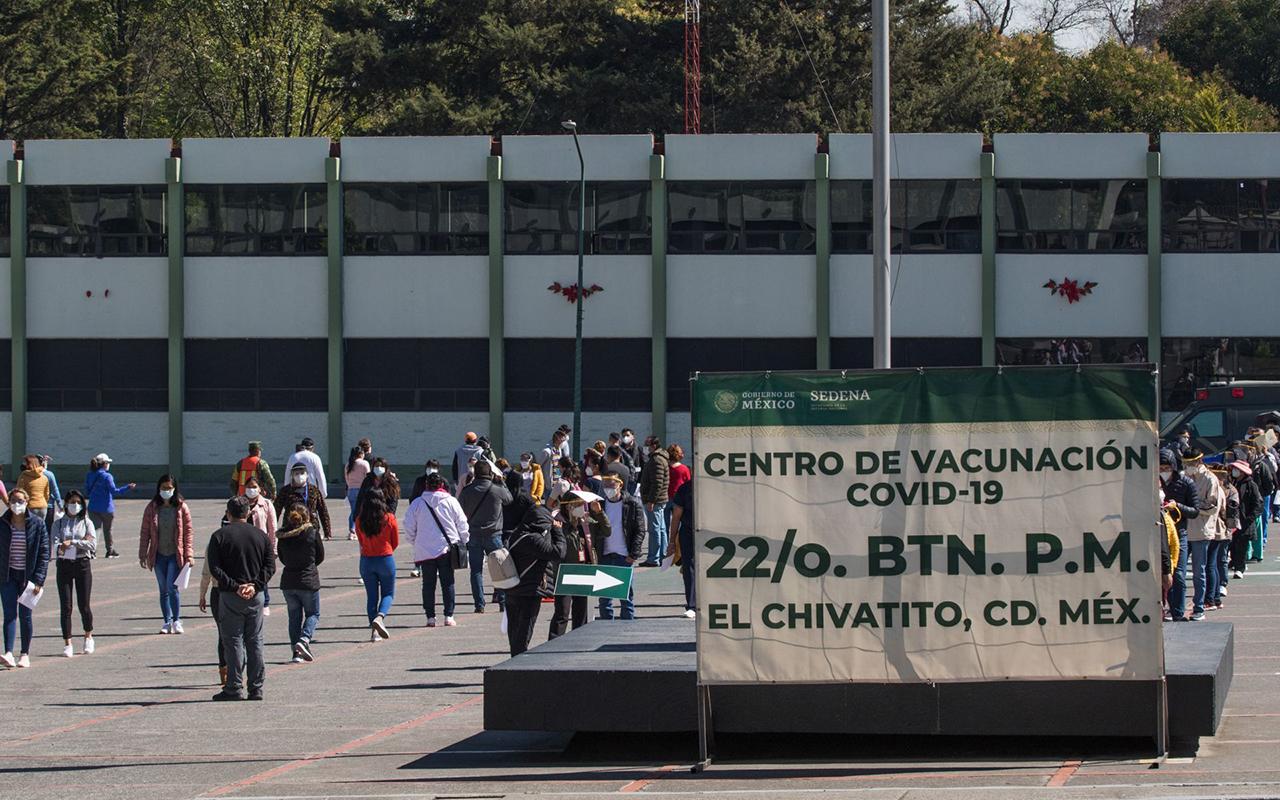 Una reacción negativa de casi 40 mil vacunas contra Covid en México