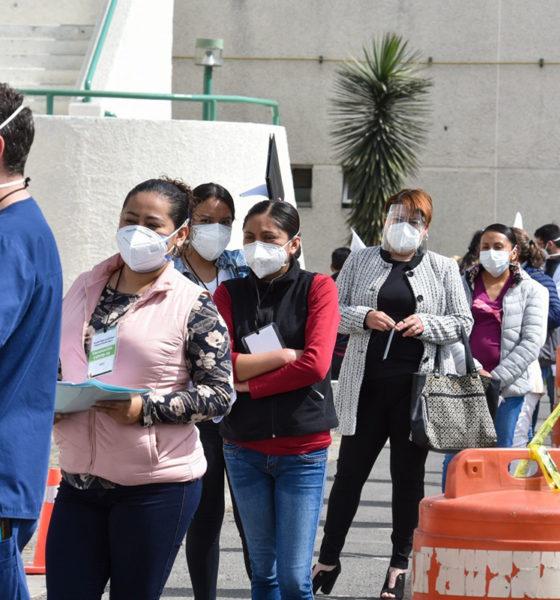 Vigilan vacunación masiva de personal de salud