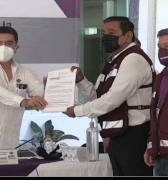 Salgado Macedonio se registra como candidato de Morena en Guerrero