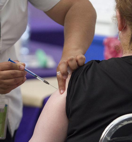 Cofepris debe informar el presupuesto para vacunas anticovid