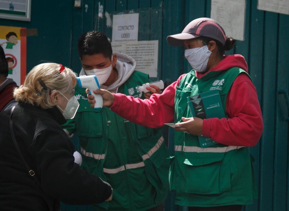 Covid-19: Registran a 635 adultos mayores que no fueron vacunados en la CDMX