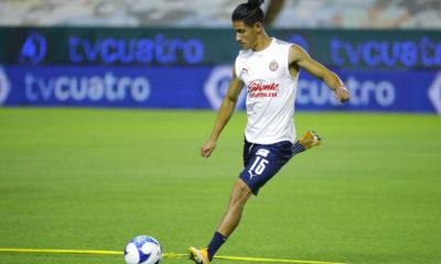 Uriel Antuna dio positivo por Covid-19. Foto: Twitter Chivas