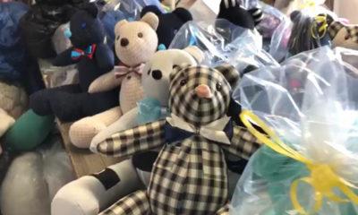 Recuerdan a victimas de Covid con osos de peluche