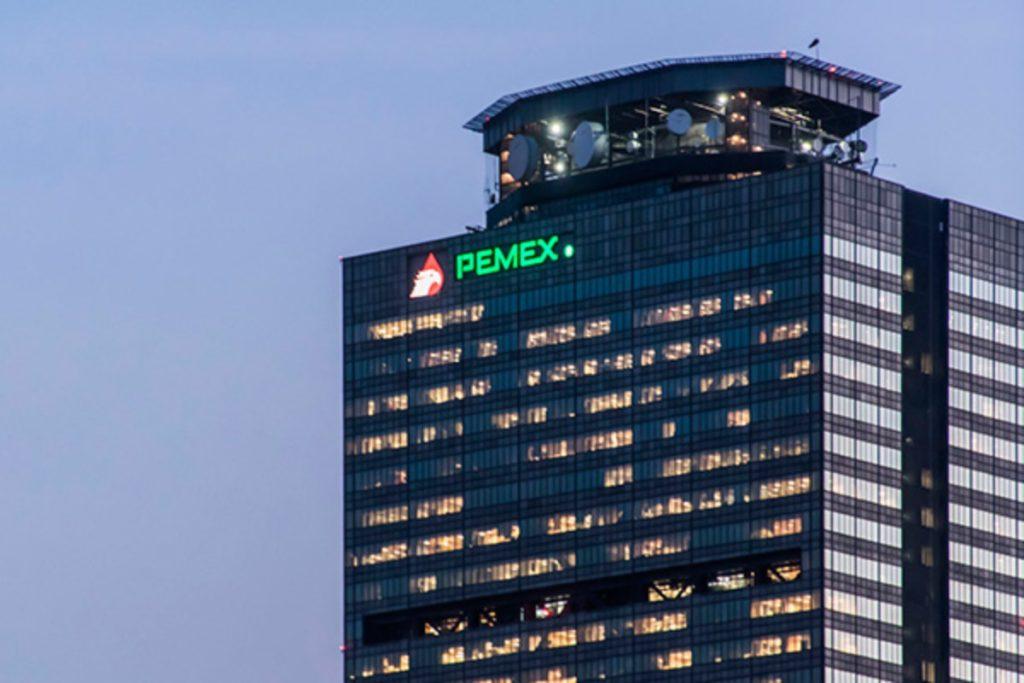 Ratifican calificación de Pemex en 'BB-' con perspectiva estable