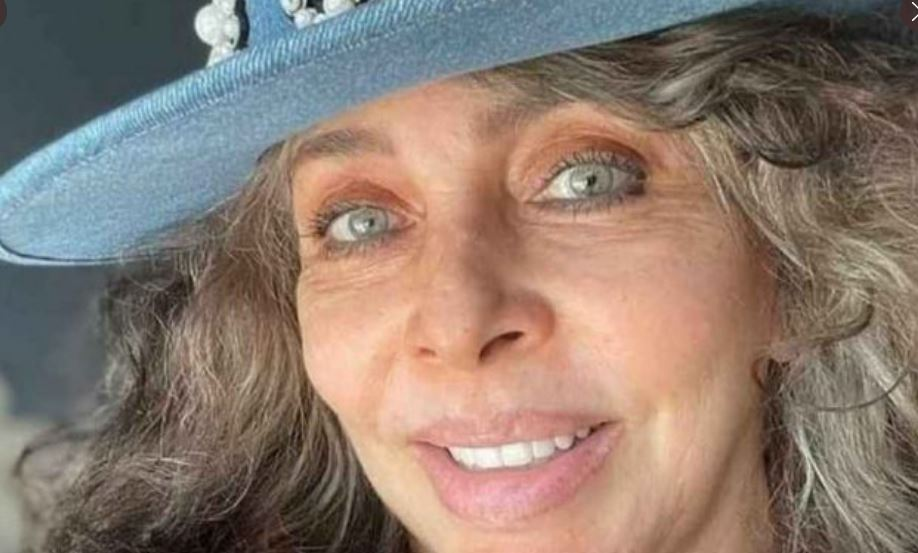 Verónica Castro vacuna