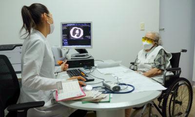 Mujer, madre y doctora lucha a diario contra el Covid-19