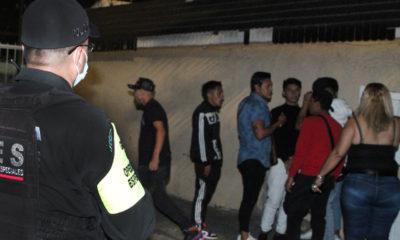 Jóvenes insisten en realizar fiestas en Ecatepec