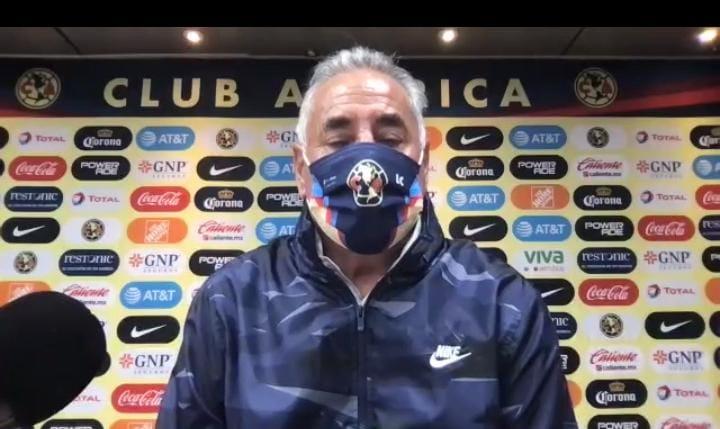 Leonardo Cuéllar queda fuera de América. Foto: Twitter