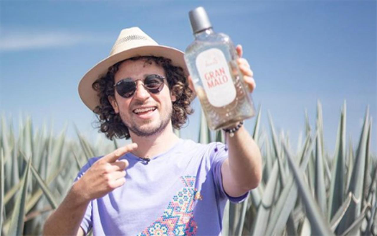 Luisito Comunica incursiona en el mundo del tequila