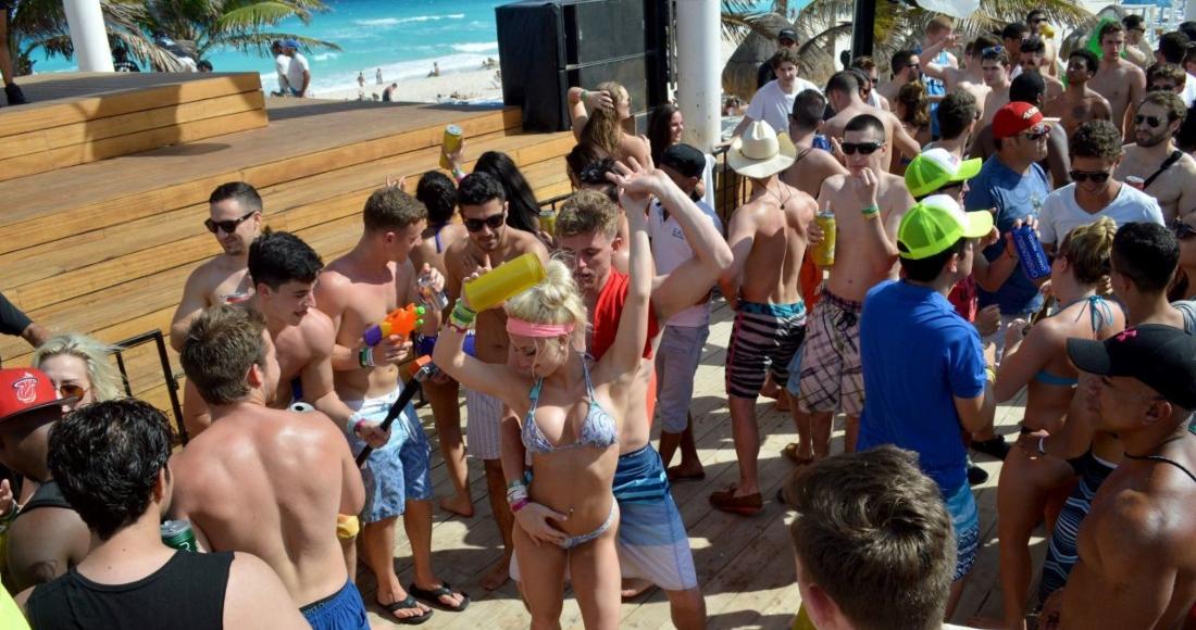 Toque de queda en Miami Beach. Foto: Cuartoscuro