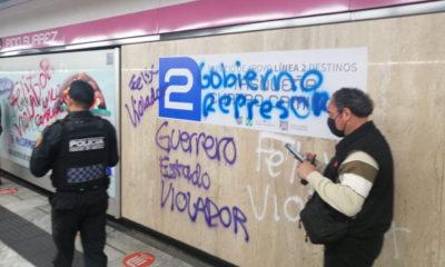 Feministas realizan pintas en Metro Pino Suárez