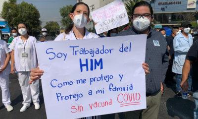 Personal médico marcha para exigir vacunas anticovid