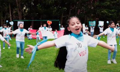 Niños del mundo cantan por la defensa de la vida y la familia