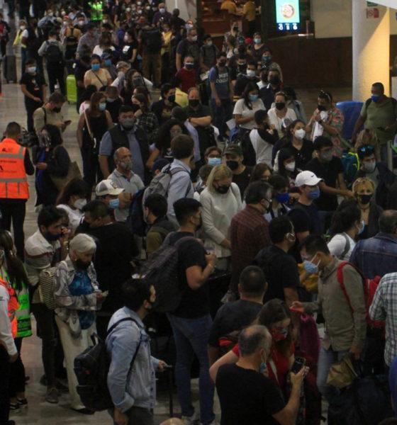 Exigen compensar a viajeros por demora y cancelación de vuelos