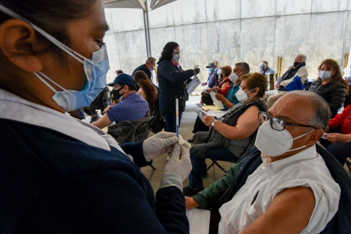 Inicia censo de personal educativo en CDMX para vacunación vs Covid-19