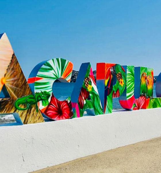 Con cartón reciclado hacen letrero turístico en Acapulco