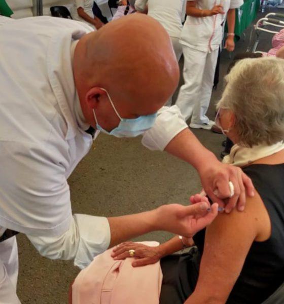 Recibe Sánchez Cordero segunda dosis de vacuna vs Covid-19