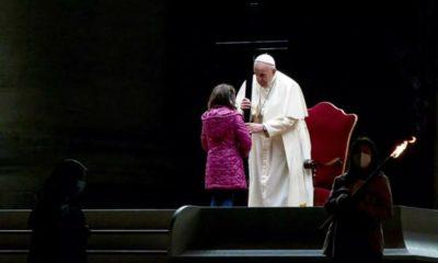 Preside Papa Francisco celebración de Viernes Santo