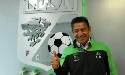 Ignacio Ambriz no seguirá con León. Foto: Twitter