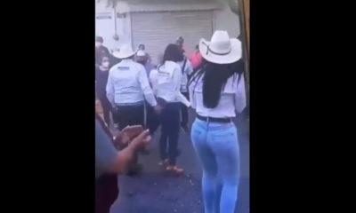 """Monreal manosea a candidata; """"fue tocamiento involuntario"""" justifica"""