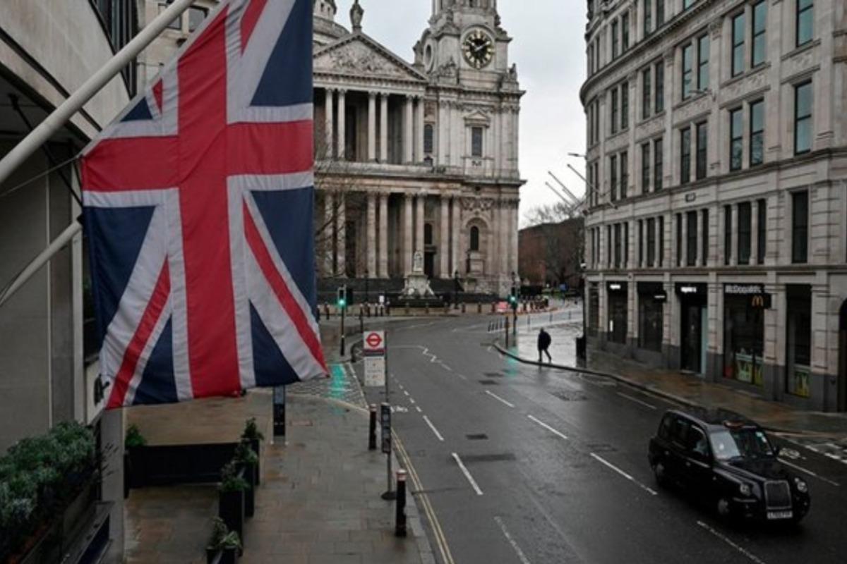 Londres veta entrada a turistas de cuatro países por Covid-19