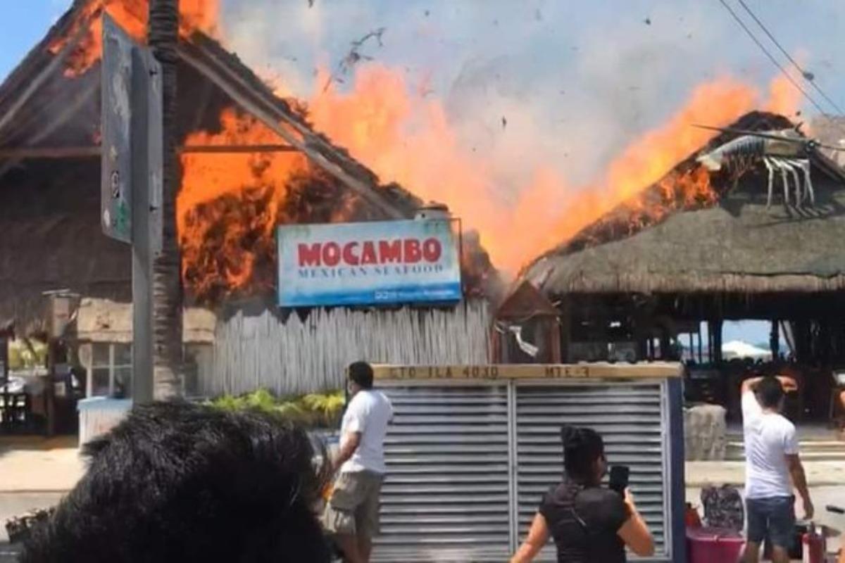 Incendio arrasa varios locales en Islas Mujeres, Quintana Roo