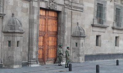 Restauran y protegen fachada principal de Palacio Nacional
