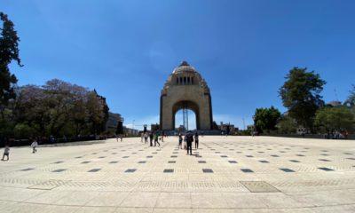 Sábado de gloria en el Monumento a la Revolución. Foto: Israel Lorenzana