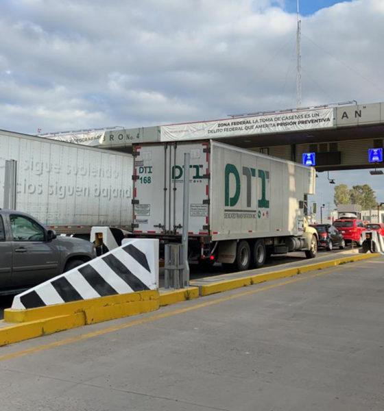 Kilométricas filas de autos en la autopista México-Querétaro