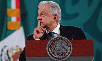 Tras retirar candidaturas, INE atenta contra democracia: AMLO