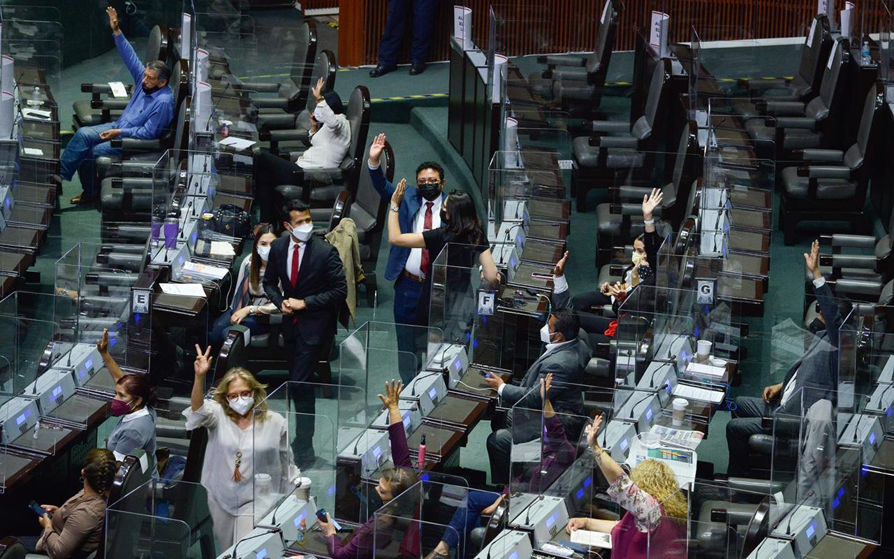 """Cámara de Diputados aprobó prohibición del """"outsourcing"""""""