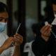 Anuncian registro para vacunación anticovid a personas de 50 a 59 años