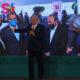 Muestra Obrador relación de Claudio X. González con PRI, PAN y PRD