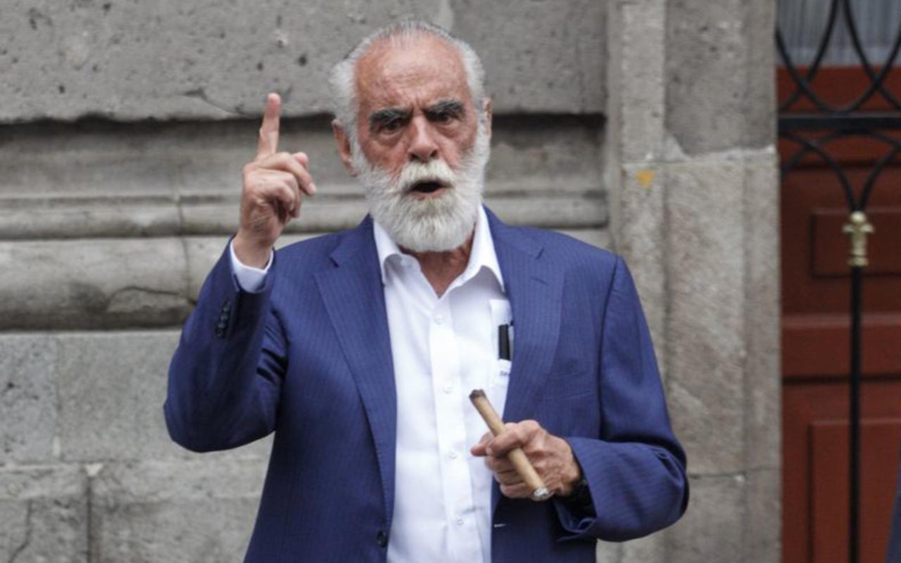 """""""Jefe"""" Diego presenta denuncia de hechos contra AMLO"""