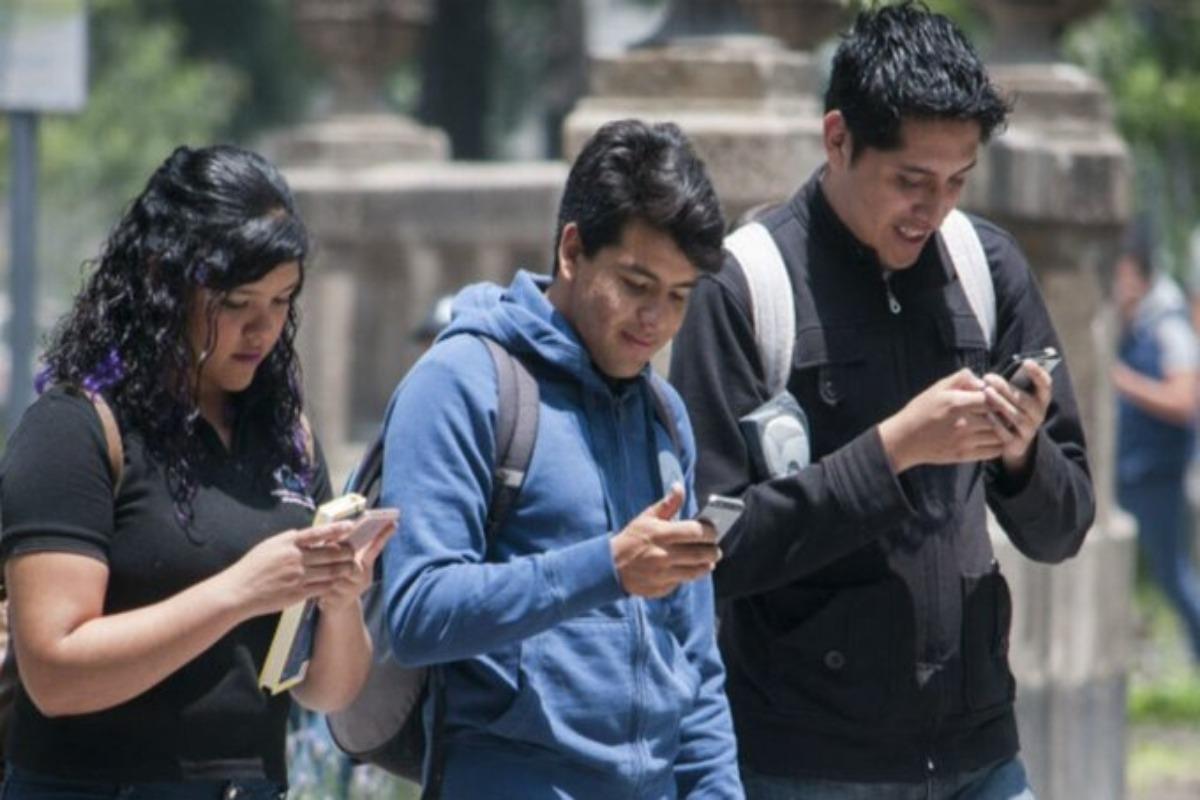 IFT presentará controversia por padrón de usuarios de telefonía
