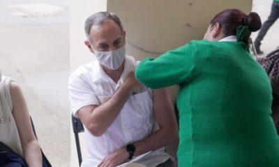 López-Gatell recibe primera dosis de vacuna contra Covid-19